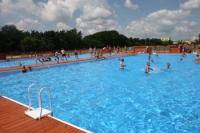 Ruszają letnie baseny